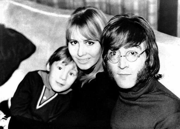 Julian, Cynthia e John.