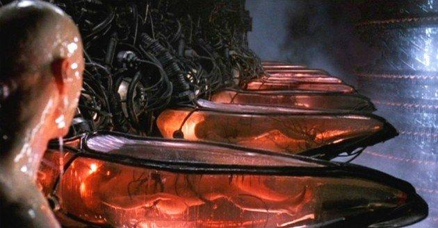 Neo acordando em uma capsula.