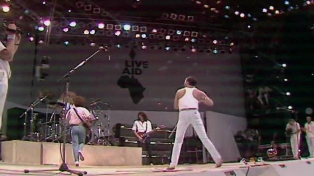 Apresentação no show Live Aid de 1985.