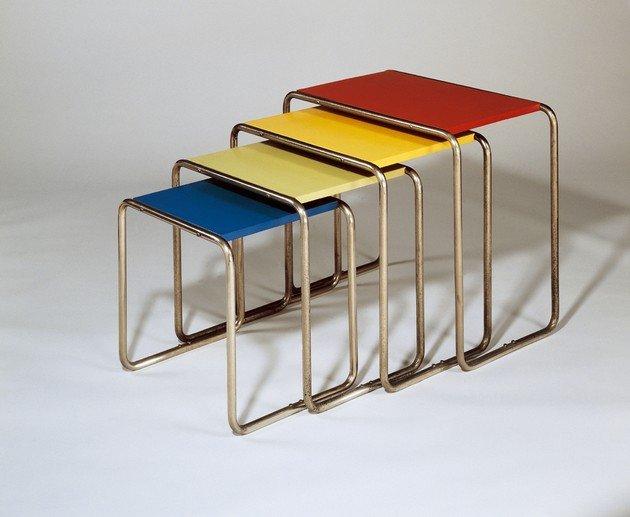 Mesa de tubos de ferro criada em 1928, design de Marcel Breuer.