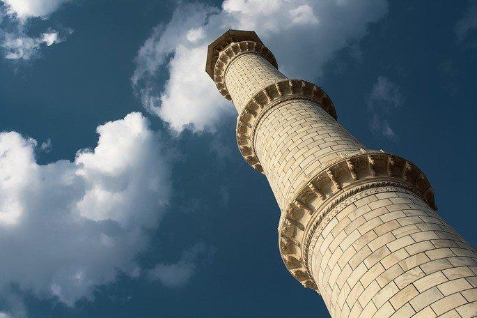 Detalhe: um dos minaretes do Taj Mahal.