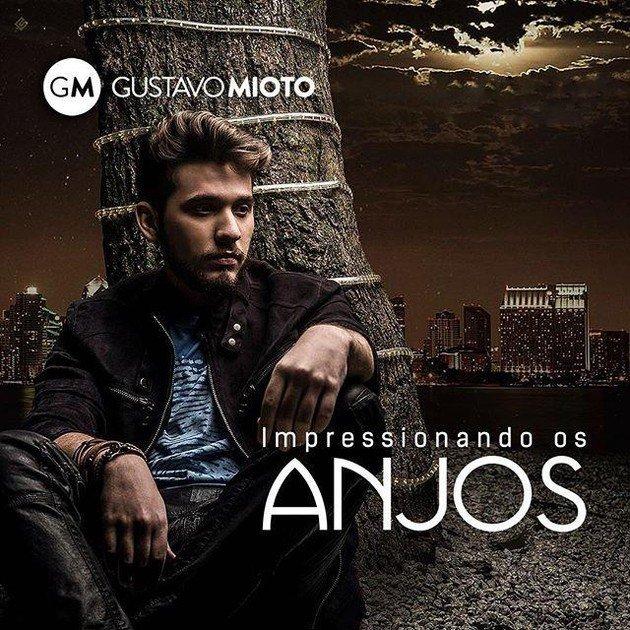 O cantor Gustavo Mioto contou o bastidor da criação de Impressionando os anjos.