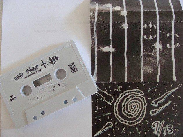 Fita cassete e embalagem que viria a ser o pontapé inicial dos Pearl Jam.