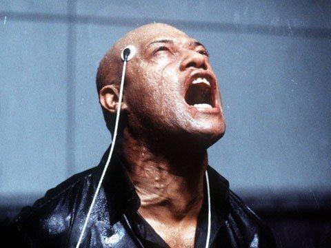 Morpheus consegue se libertar.