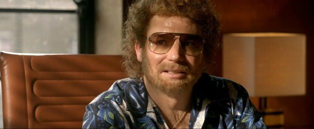 Mike Myers (interpretado por Ray Foster) teria no longa se oposto veementemente à gravação de Bohemian Rhapsody.