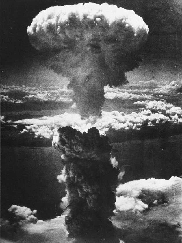 Imagem da bomba atômica, que serve como tema para a composição de Vinicius de Moraes.