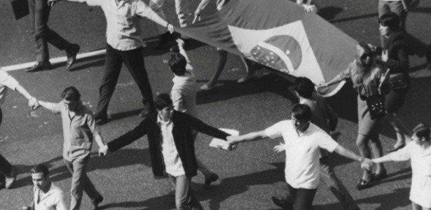 Movimento estudantil na Passeata dos Cem Mil, 1968.