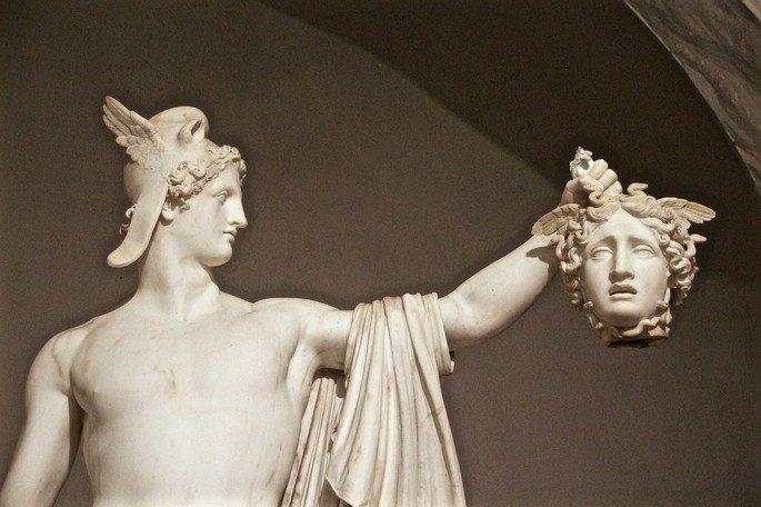 Perseu com a cabeça da Medusa, estátua de Antonio Canova (1800)
