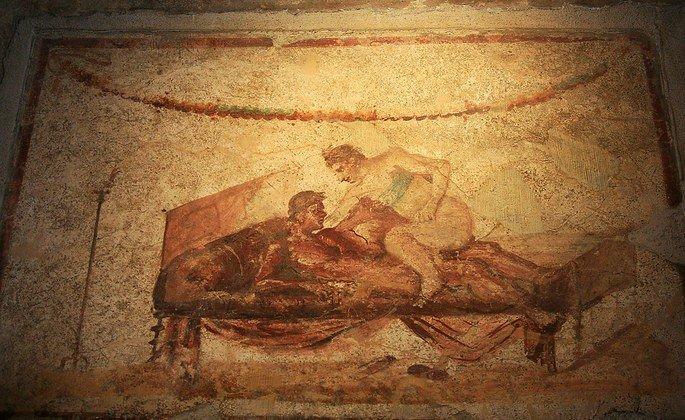pintura romana em parede exibe sena de sexo