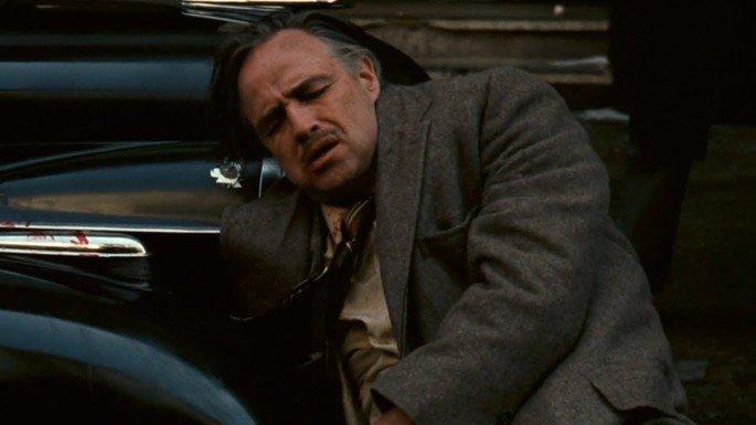 Vito Corleone é atacado.