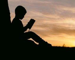 7 poemas sobre infância comentados