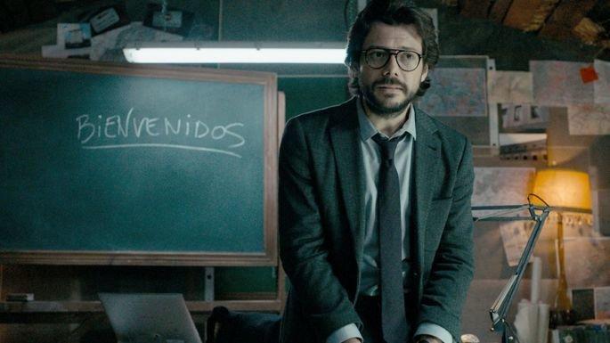 Personagem do professor interpretado pelo ator Álvaro Morte.