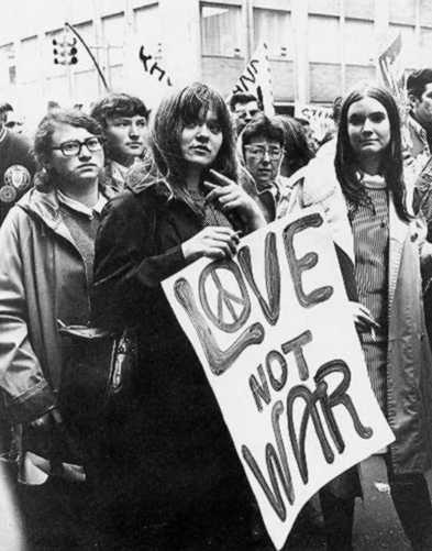 Imagem de um protesto contra a guerra do Vietnã.