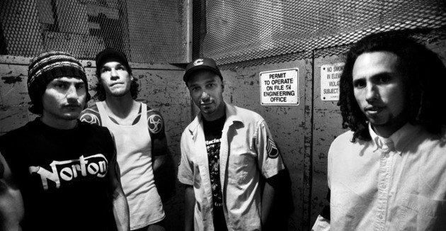Retrato da banda Rage Against the Machine