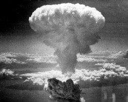 A Rosa de Hiroshima, de Vinícius de Moraes