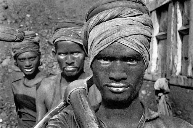 trabalhadores registrados por Sebastião Salgado