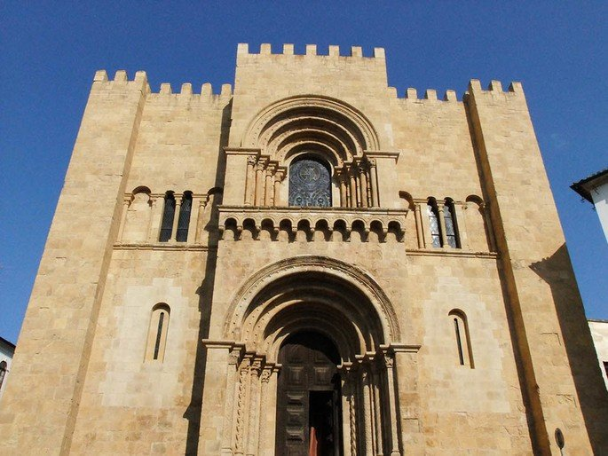 Se velha de coimbra arquitetura romanica