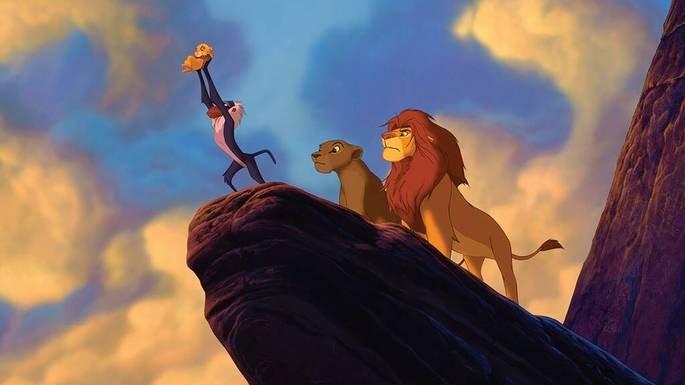 Simba é apresentado ao seu povo.