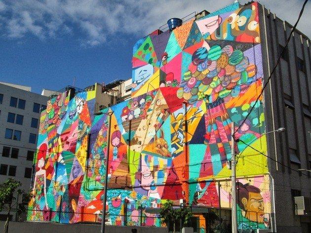 Grafite do artista brasileiro Toz na Zona Portuária do Rio.
