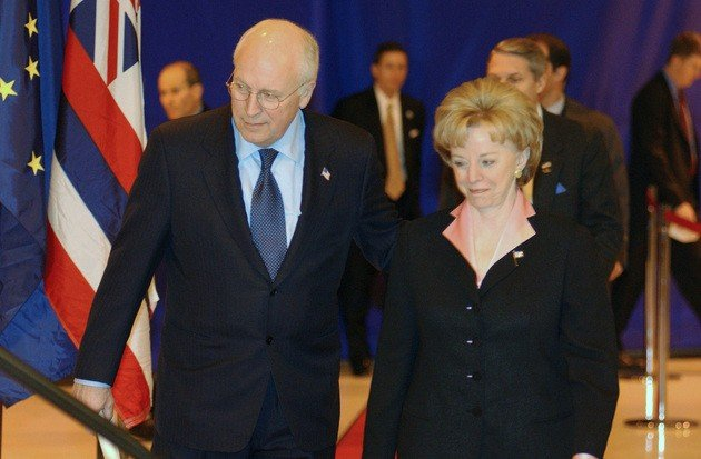 O casal da vida real Dick Cheney e Lynne.